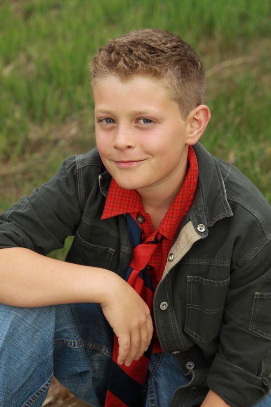 Boy pose photo 93