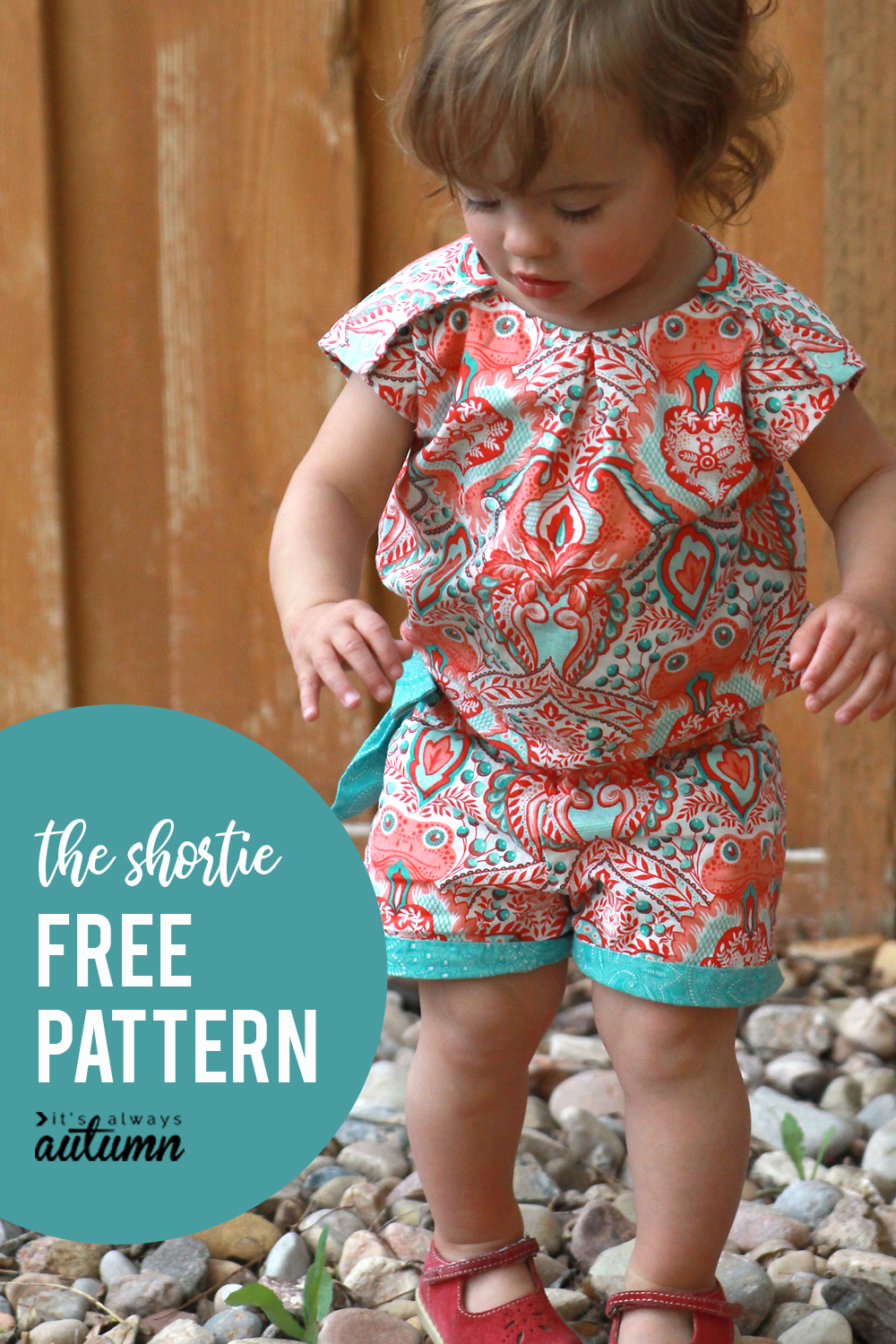 Sew the runway shortie free pattern download its always autumn click through for the free sewing pattern for this adorable girls shortie in size 12 jeuxipadfo Image collections