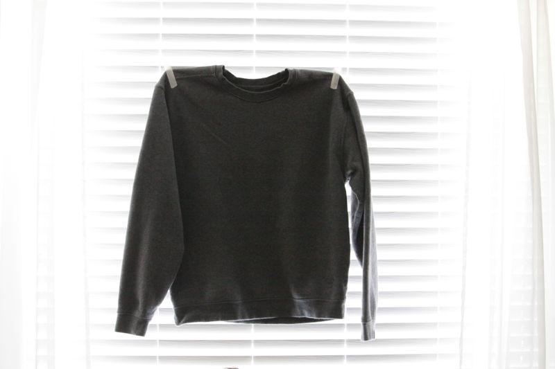 sweatshirt refashion {add colored cuffs and prettify theneckline}