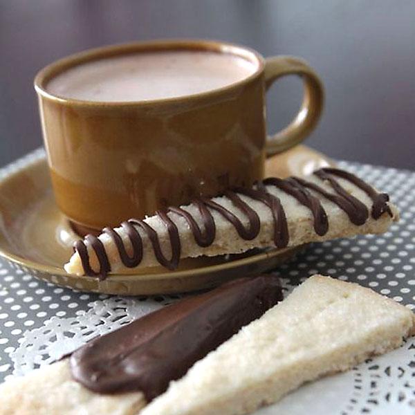 simple + delicious shortbread recipe w/chocolatedrizzle