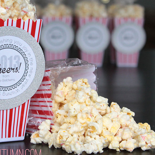 white chocolate peppermint popcorn + new years gifttags