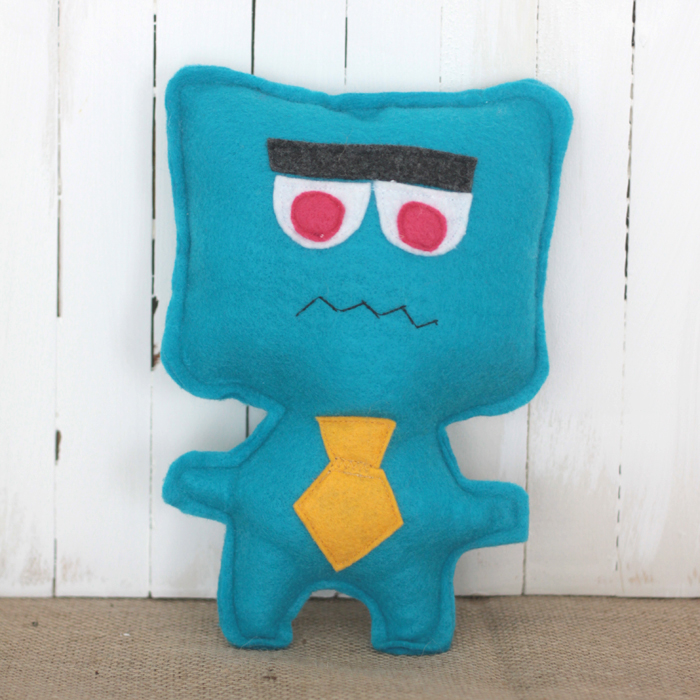 free easy sewing pattern for felt monster dolls