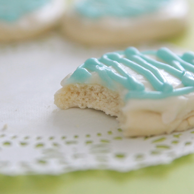 soft sugar cookies with cream cheese frosting (delish!) - It's Always ...
