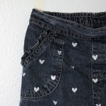 dotted heart jeans {how to stencil a design on clothes}