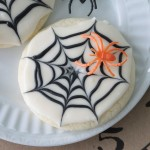 Halloween recipe: spooky spiderweb sugarcookies