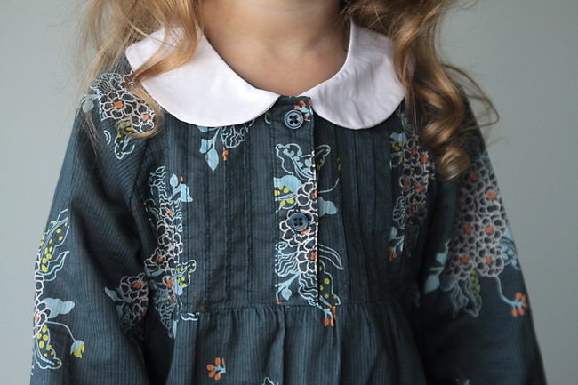 adorable girls dress with peter pan collar