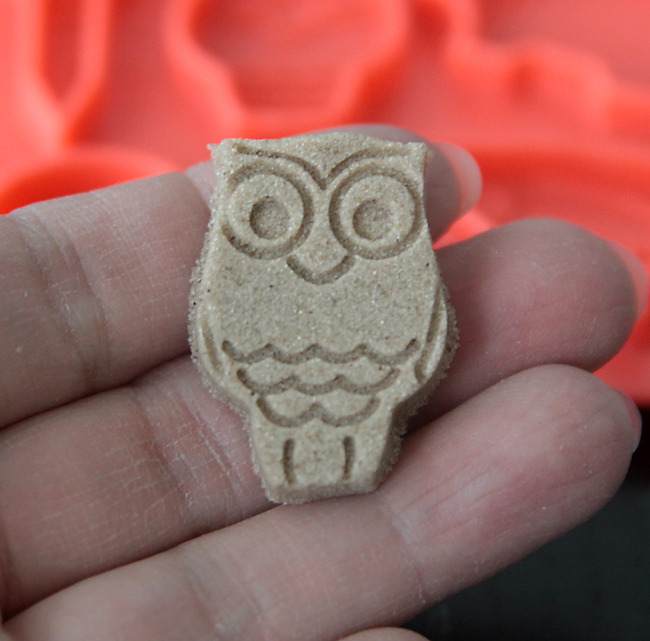 kinetic-sand-review-uncommon-goods-4