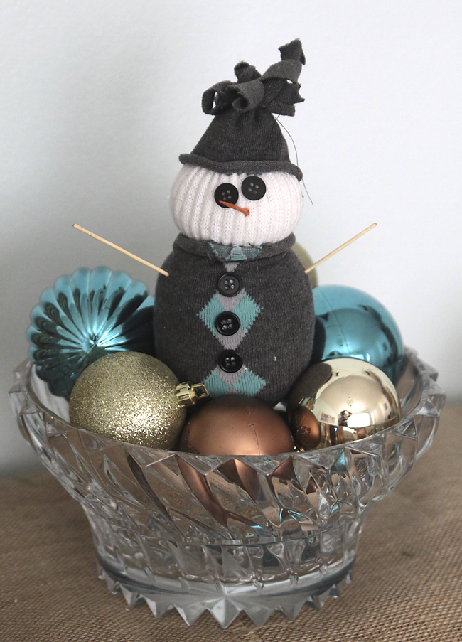 easy kids' Christmas craft - sock snowmen