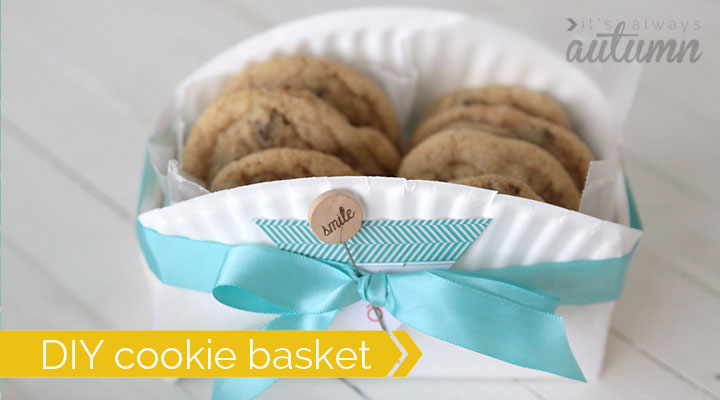 what a cool idea - make a cookie gift basket from a paper plate! & easy DIY cookie basket made from a paper plate - It\u0027s Always Autumn