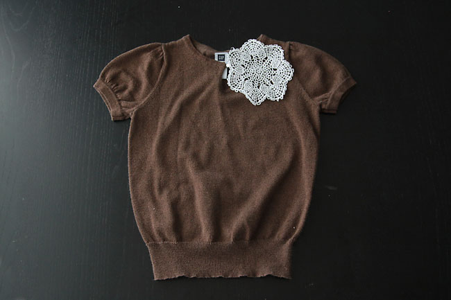 make a cute peter pan collar from a doily