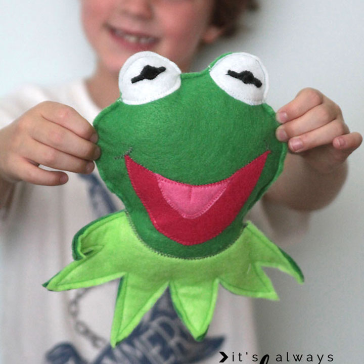 felt kermit and miss piggy dollss {muppets most wanted}