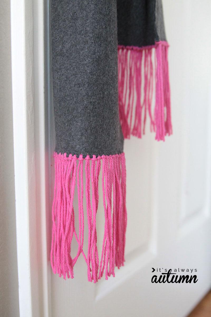 scarf-fleece-trim-how-to-make