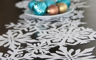 gorgeous DIY snowflake table runner {made easy w/Silhouette}