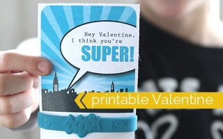 valentine-super-hero-bracelet-easy-diy-free-printable-no-candy-valentines-day