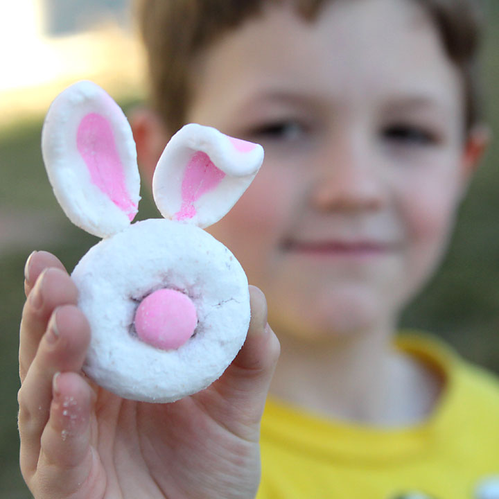 mini donut bunny rabbits: easy easter craft for kids