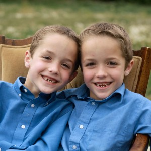 http://www.itsalwaysautumn.com/wp-content/uploads/2015/06/how-to-get-your-kids-to-stop-fighting-sibling-rivalry-ideas-tricks-arguments-2-300x300.jpg