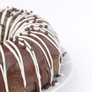 http://www.itsalwaysautumn.com/wp-content/uploads/2015/08/easy-chocolate-cream-cheese-bundt-cake-how-to-make-mix-fancy-easy-3-300x300.jpg