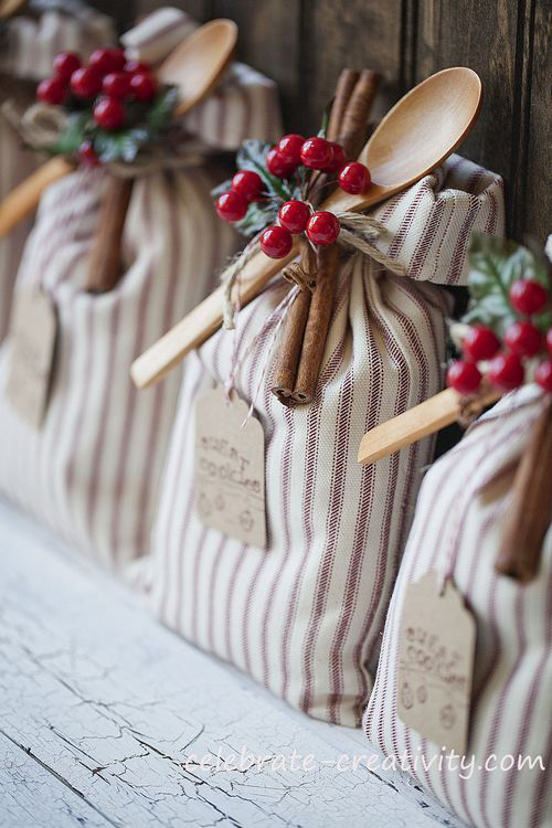 25 amazing diy gifts people will actually want it 39 s Country christmas gifts to make