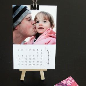 http://www.itsalwaysautumn.com/wp-content/uploads/2015/09/calendar-free-printable-2016-personalized-photo-calendar-mini-desktop-wall-art-easy-diy-gift-idea-christmas-grandparents-5-300x300.jpg