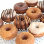 quick & easy 4-ingredient baked pumpkin donuts
