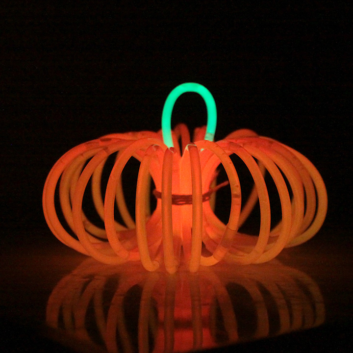glowstick pumpkins so cute this would be a perfect activity to keep the kids - Glow Stick Halloween Decorations
