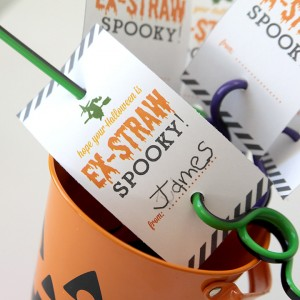 http://www.itsalwaysautumn.com/wp-content/uploads/2015/09/halloween-favor-treat-gift-non-candy-straws-free-printable-easy-cute-kids-6-300x300.jpg