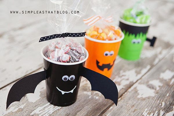 20 best diy halloween treat bag boxes cups and more perfect favors - Halloween Treat Holders