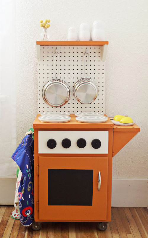 The best DIY play kitchen tutorials, all in one place!