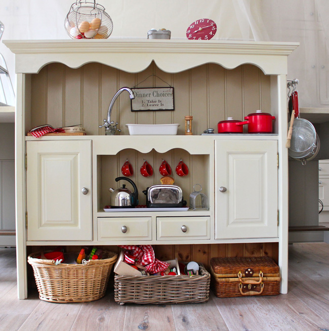Kitchen For Kids: 20 Coolest DIY Play Kitchen Tutorials