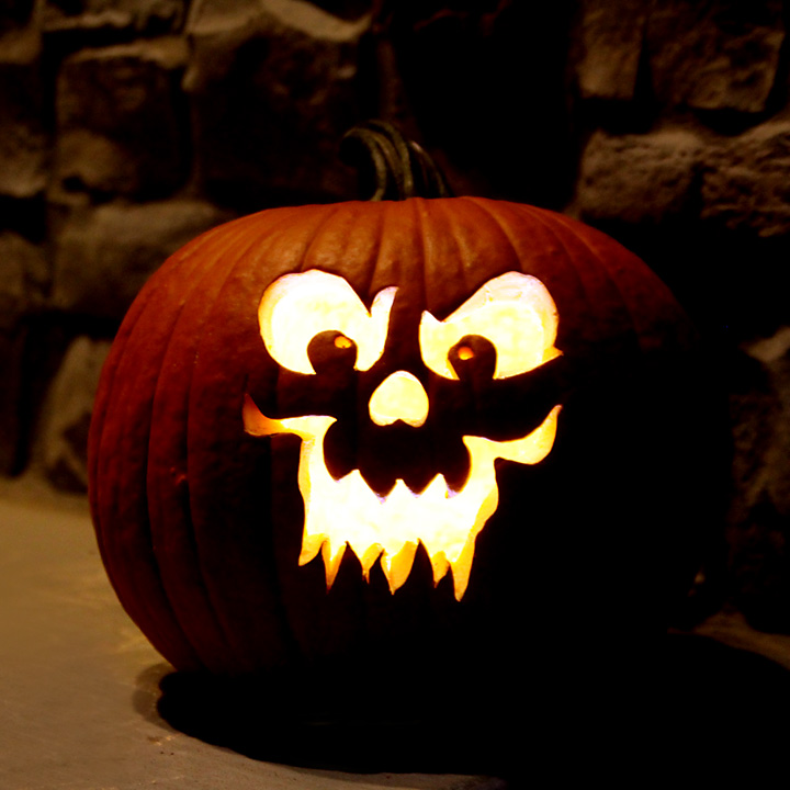how to take great photos of jack-o-lanterns this Halloween