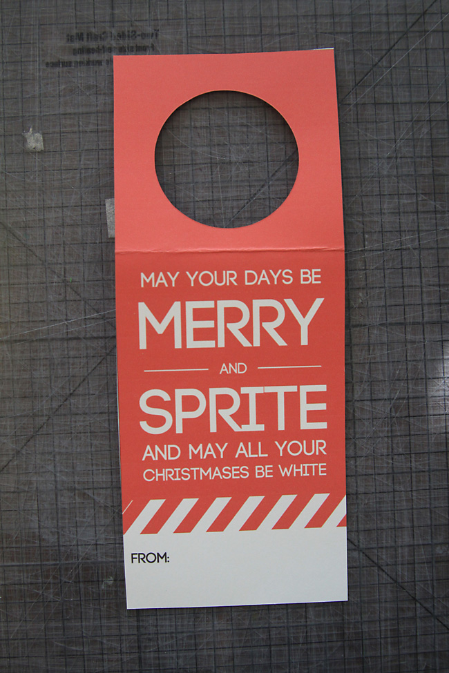 Such a good Christmas gift idea for neighbors, friends or coworkers! Easy and cheap - just add the free printable tag to a 2-liter of Sprite and you're done!  Merry and Sprite. Easiest neighbor gift ever.