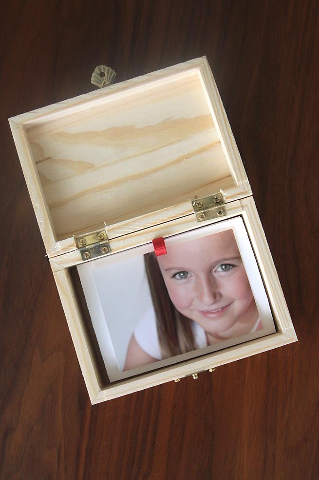 easy & cheap DIY gift idea: photo gift box - It's Always ...
