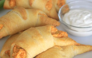 Buffalo Chicken Rollups: this easy recipe is perfect for a quick dinner or holiday party appetizer. Only five ingredients!