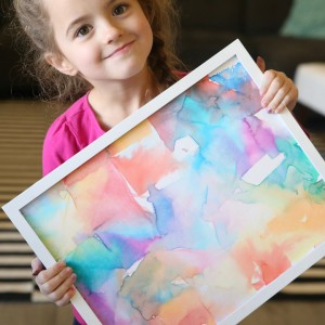 http://www.itsalwaysautumn.com/wp-content/uploads/2016/01/easy-kids-art-project-tissue-transfer-quick-activity-pretty-children-5-300x300.jpg