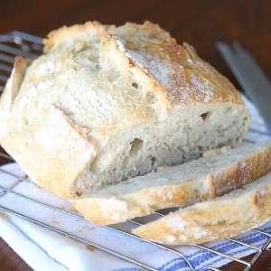 homemade artisan bread {easiest bread recipe EVER!}