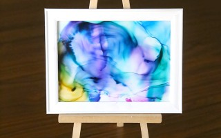 This fired ink art is so cool! It's easy enough for kids to do and turns out beautiful! Great summer craft activity to do with your kids. DIY home decor or wall art.