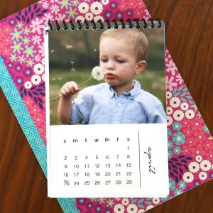 http://www.itsalwaysautumn.com/wp-content/uploads/2016/09/mini-photo-calendar-cards-2017-free-printable-easy-cheap-DIY-handmade-personalized-gift-idea-Christmas-3-300x300.jpg