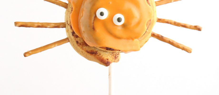 easy Halloween spider cinnamon roll pops