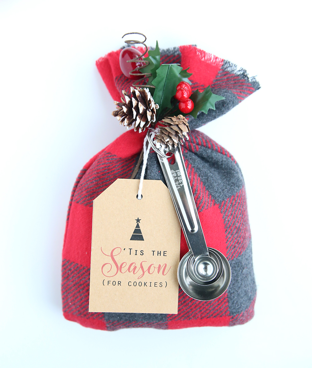 these cookie mix gift sacks make an adorable handmade christmas gift and theyre