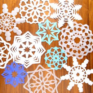 how to cut snowflakes {video tutorial + free templates}