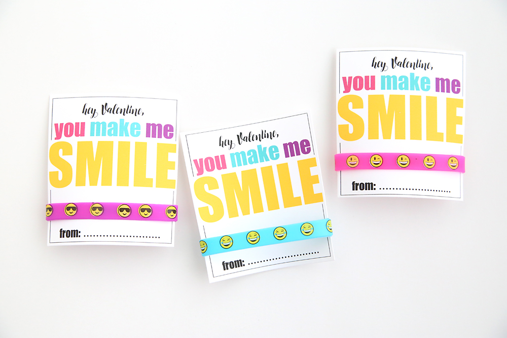 Cute free printable DIY Valentine's Day card with emoji bracelets. Such a fun non-candy Valentine idea!