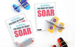 mini airplane/glider free printable Valentine's Day card