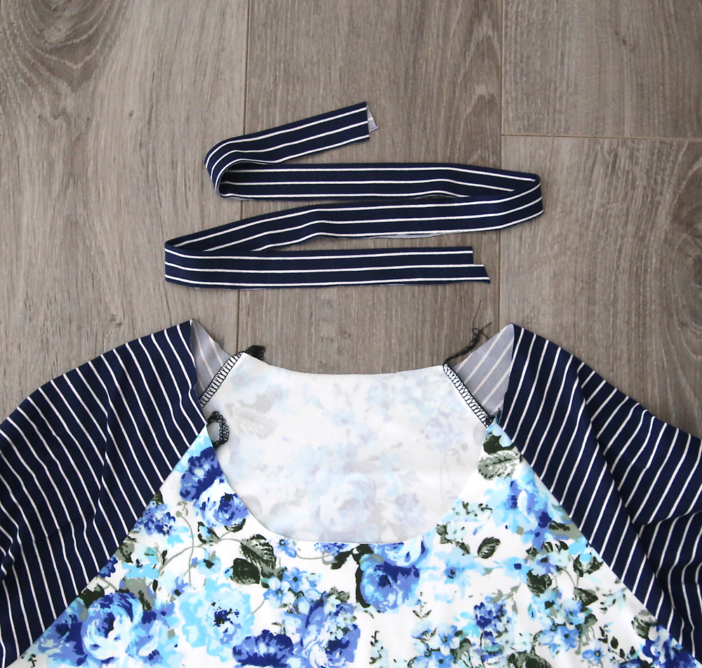 Learn how to sew a raglan sleeve (baseball) tee shirt with this easy sewing tutorial and free pdf sewing pattern in women's size large.