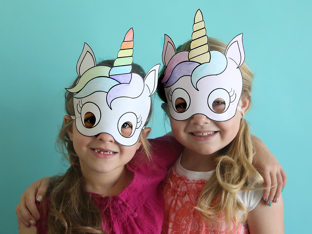 Adorable free printable unicorn masks that kids can color in themselves. Cute and easy kids' craft idea!