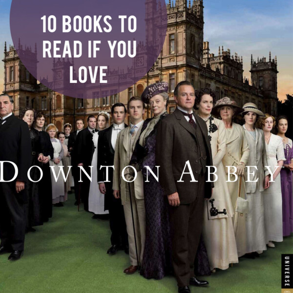 Maggie Smith, Hugh Bonneville, Elizabeth McGovern standing in front of a crowd posing for the camera with other Downton Abbey staff