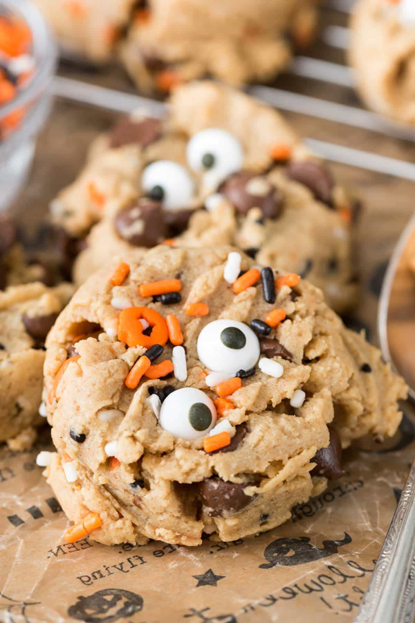fun and easy halloween cookie recipes easy halloween treats to make with kids