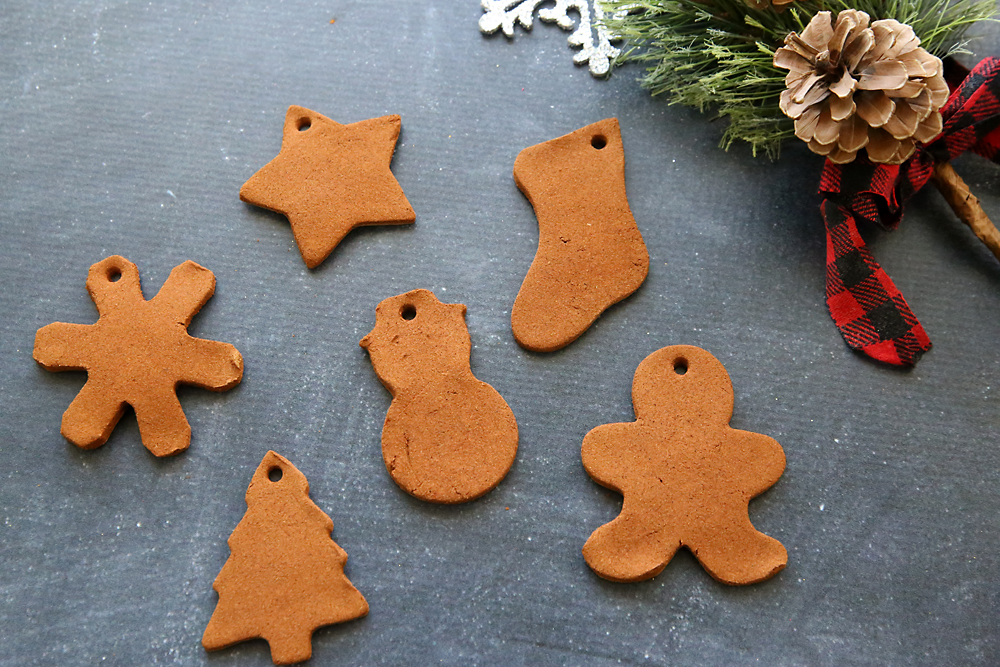 Kids can make Christmas ornaments out of cinnamon and applesauce and - Cinnamon Ornaments That Will Make Your House Smell Amazing! - It's
