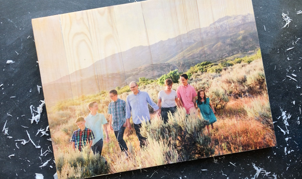 DIY photo pallet {mod podge photo transfer to wood} - It's Always Autumn