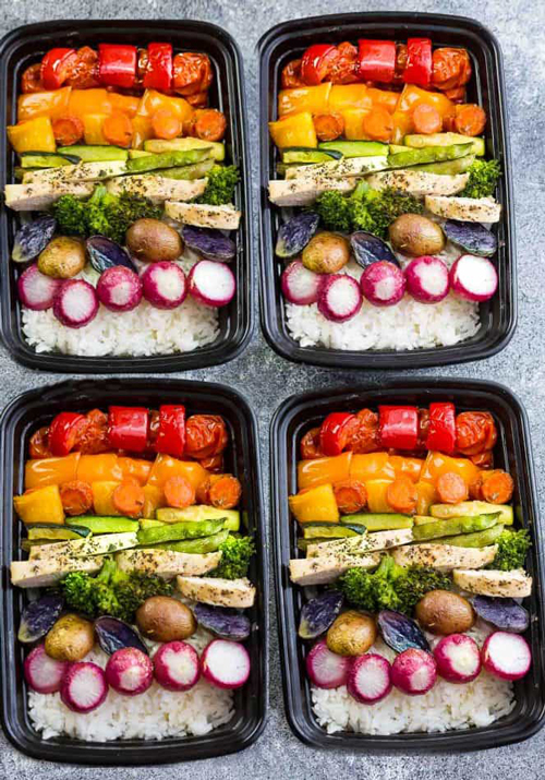 TONS of healthy meal prep recipes! Click through for easy recipes you can make ahead and keep in the fridge for grab and go lunches all week long.