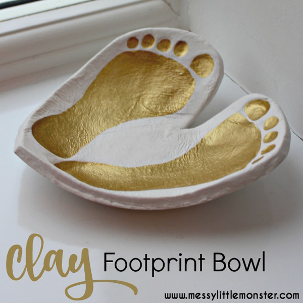Easy DIY clay footprint bowl | 30 best handprint and footprint art ideas